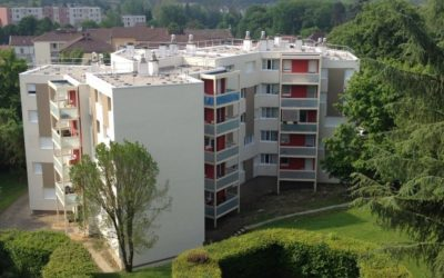 Réhabilitation BBC  de 2 bâtiments, 75 logements, en site occupé: Résidence Le Sauzai, La Tour-du Pin, 38 :